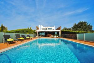 Villa Serra e Mar, Vily  Almancil - big - 19