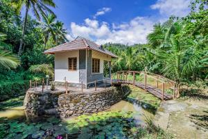 1-Bedroom Lily-pond Cottage, by GuestHouser