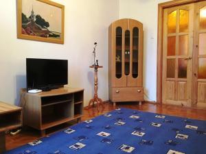 Apartment on Oktyabrskiy prospekt 14