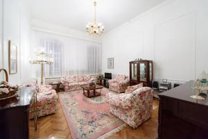 Apartment Rubinshteina 3