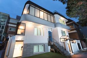 Monohouse Hongdae3