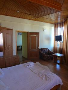 Отель Уют, Лоо