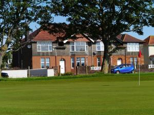 The 19th Hole Troon