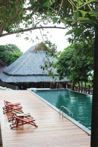 Phi Phi Phu Chalet Beach Resort