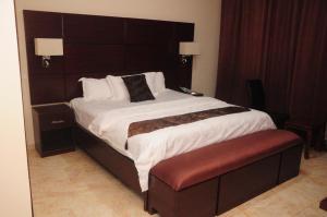 Geneva Hotel and Suites
