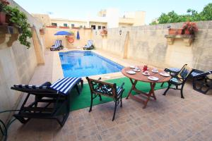 Ta' Bejza Holiday Home with Private Pool, Holiday homes  Xewkija - big - 28