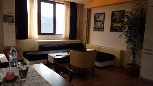 Yana Apartments