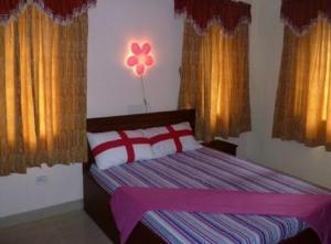 Hotel Adhiraj Palace