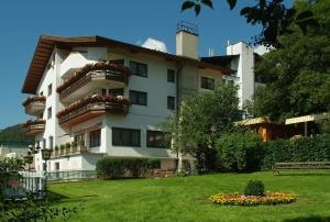 Aparthotel Stern