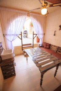 Ta Tumasa Farmhouse, Bed & Breakfast  Nadur - big - 65