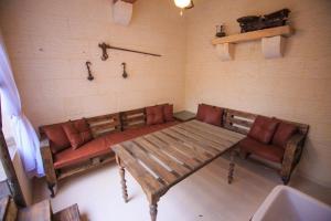 Ta Tumasa Farmhouse, Bed & Breakfast  Nadur - big - 66