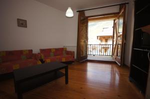 Faure cuarenta y nueve, Apartments  Benasque - big - 4