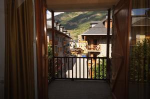 Faure cuarenta y nueve, Apartments  Benasque - big - 2
