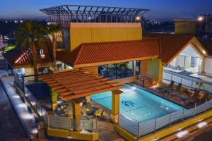 Мехикали - Hotel Calafia