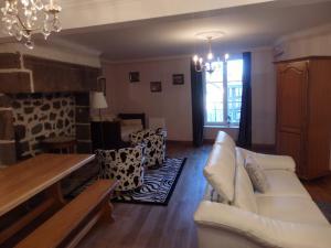 La Maison De Béatrice - Apartment - Murat