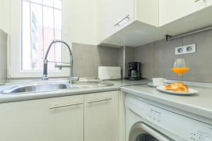 Friendly Rentals Arguelles II, Appartamenti  Madrid - big - 21
