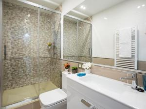 Friendly Rentals America Confort XIII, Apartmány  Madrid - big - 13