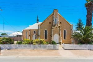 Wallaroo Church Holiday House