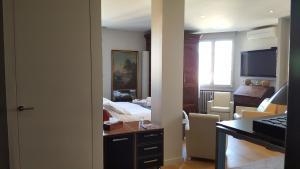 Le Coeur du 6ème, Bed and breakfasts  Lyon - big - 22