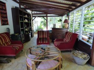 Les Hauts de Terrasson, Guest houses  Les Abymes - big - 19