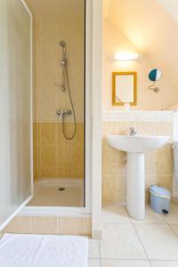 Villa Tracy sur Mer, Affittacamere  Arromanches-les-Bains - big - 34