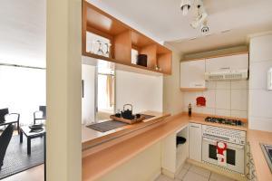 Ainara Apartments Reviews