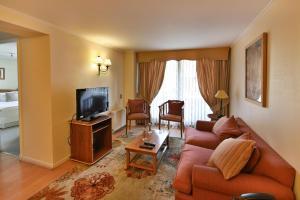 Price Ainara Apartments