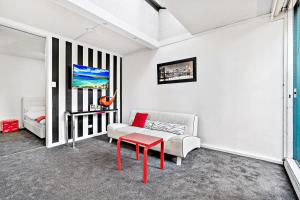 Amal - Beyond a Room Private Apartments, Apartmány  Melbourne - big - 1