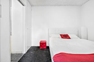 Amal - Beyond a Room Private Apartments, Apartmány  Melbourne - big - 4