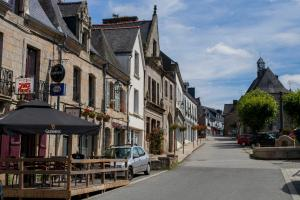 Town House In Quaint Breton Village