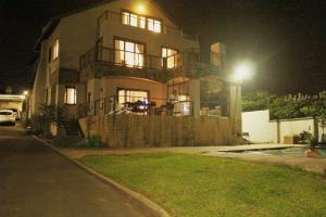 B&B Sheffield Beach, Bed & Breakfast  Salt Rock - big - 14