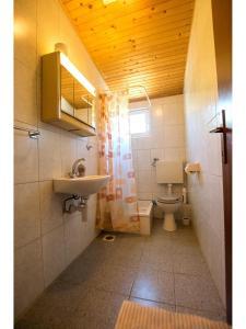 Apartments Velebit, Apartmanok  Stari Grad - big - 30