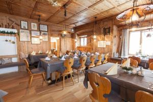 Gasthof zum goldenen Löwen, Penziony – hostince  Nauders - big - 20