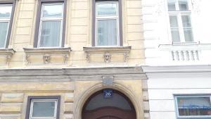 Central Apartment - Metrostation Keplerplatz
