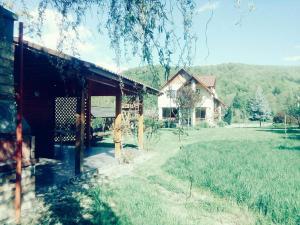 Yellow House, Villas  Dejani - big - 12