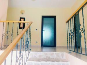 Yellow House, Villas  Dejani - big - 13