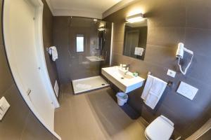 Grand Hotel Europa, Hotel  Rivisondoli - big - 13