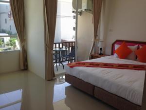 Naiyang Tour Room for Rent