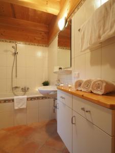 Haus Helene im Öko-Feriendorf, Case vacanze  Schlierbach - big - 12