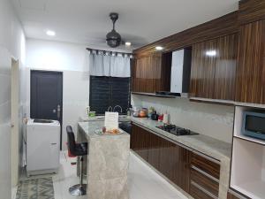 Kayangan Homestay, Ferienhäuser  Johor Bahru - big - 5