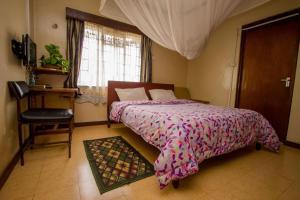 Meru Safari Hotel