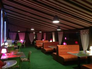 AMBER Hotel & Cafe, Hotely  Bohorodchany - big - 45