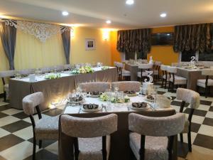 AMBER Hotel & Cafe, Hotely  Bohorodchany - big - 51