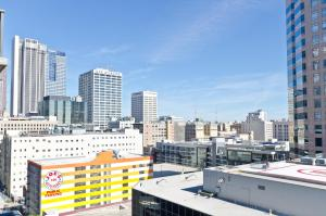 Popular DTLA Designer Suite With Massive Views, Ferienwohnungen  Los Angeles - big - 20