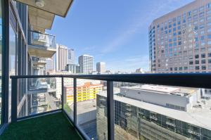 Popular DTLA Designer Suite With Massive Views, Ferienwohnungen  Los Angeles - big - 21