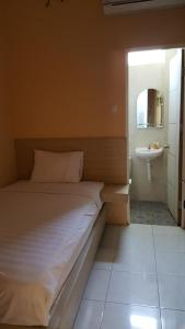 C.Stone Hotel, Hotely  Surabaya - big - 3