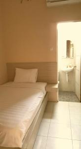C.Stone Hotel, Hotely  Surabaya - big - 2