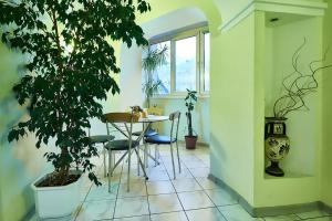 Home Hotel Apartments on Kontraktova Ploshcha - фото 21