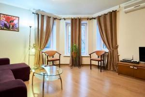 Home Hotel Apartments on Kontraktova Ploshcha
