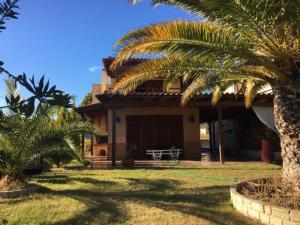 Afitos Holiday Home